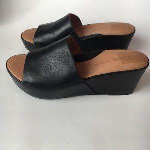 Gentle Souls Forella 9.5 Black Leather Wedge Slide